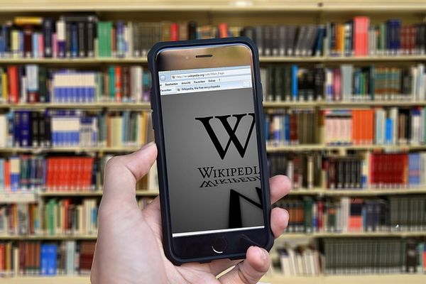 attaque-DDoS-Wikipédia